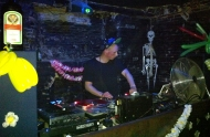 """""""Me identifico más con el DJ todoterreno que centrado en un sólo estilo"""" / Dubspain entrevista a TonyKarate"""